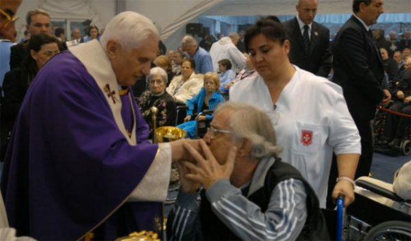 Historic Papal visit Order hospital rome