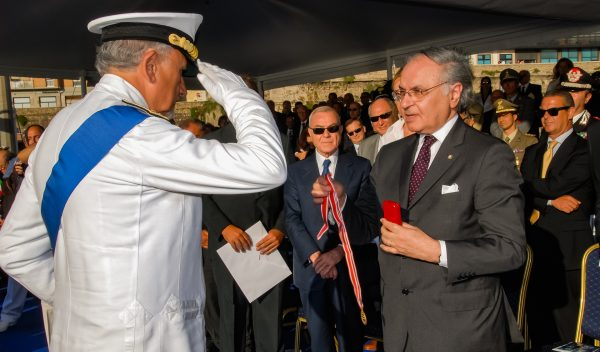 Italian coast guards awarded Order gold medal