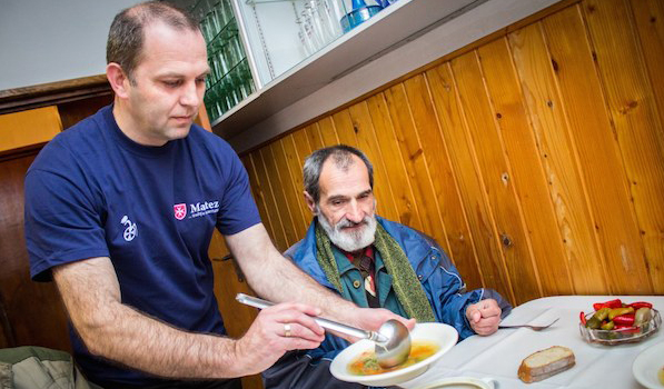 The Order of Malta relief corps in Romania delivered over 21,000 food packages to the elderly poor across the country last year
