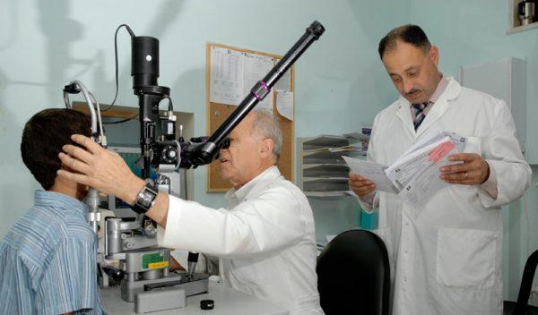 a Gerusalemme ambulatorio oftalmico Augenärztliche Ambulanzklinik eröffnet in Muristan Eye walk-in clinic opens in Muristan consulta ambulatoria de oftalmología en Muristan