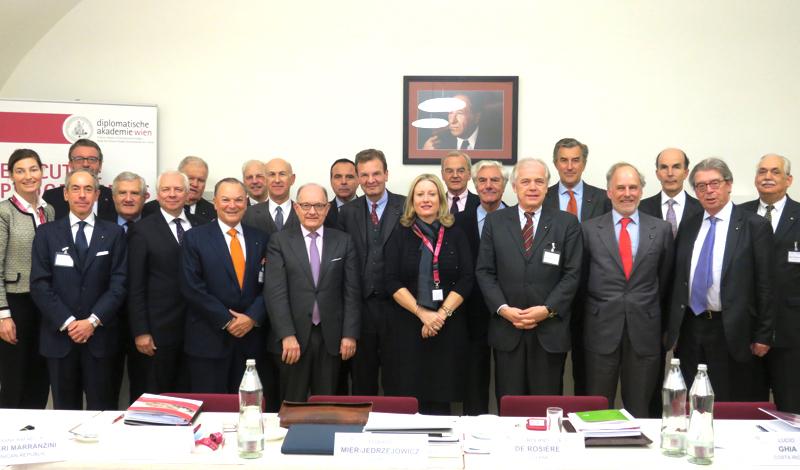 Formation des diplomates Formación para los diplomáticos Training for diplomats Schulung für die Diplomaten