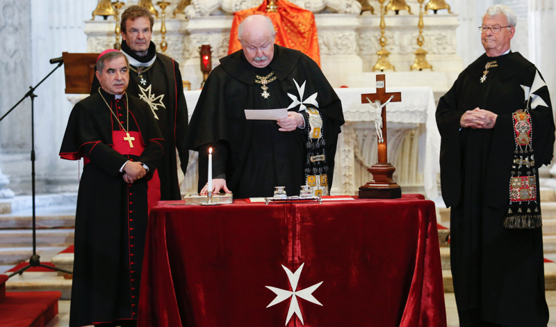 Fra' Giacomo Dalla Torre takes oath Fra' Giacomo Dalla Torre legt den eid ab