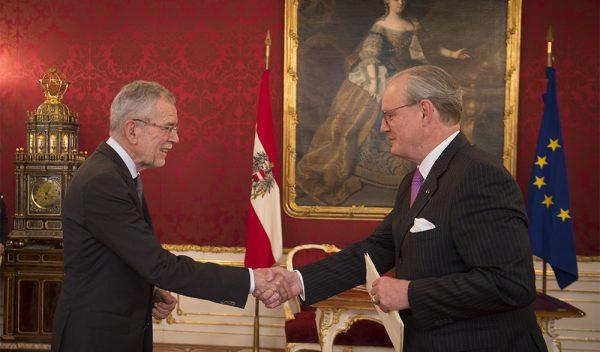 Republik Österreich presidente de Austria président fédéral de la République d'Autriche Republic of Austria Presidente Federale della Repubblica Austriaca