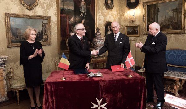 primera ministra de Rumanía Romanian Prime Minister Primo Ministro di Romania